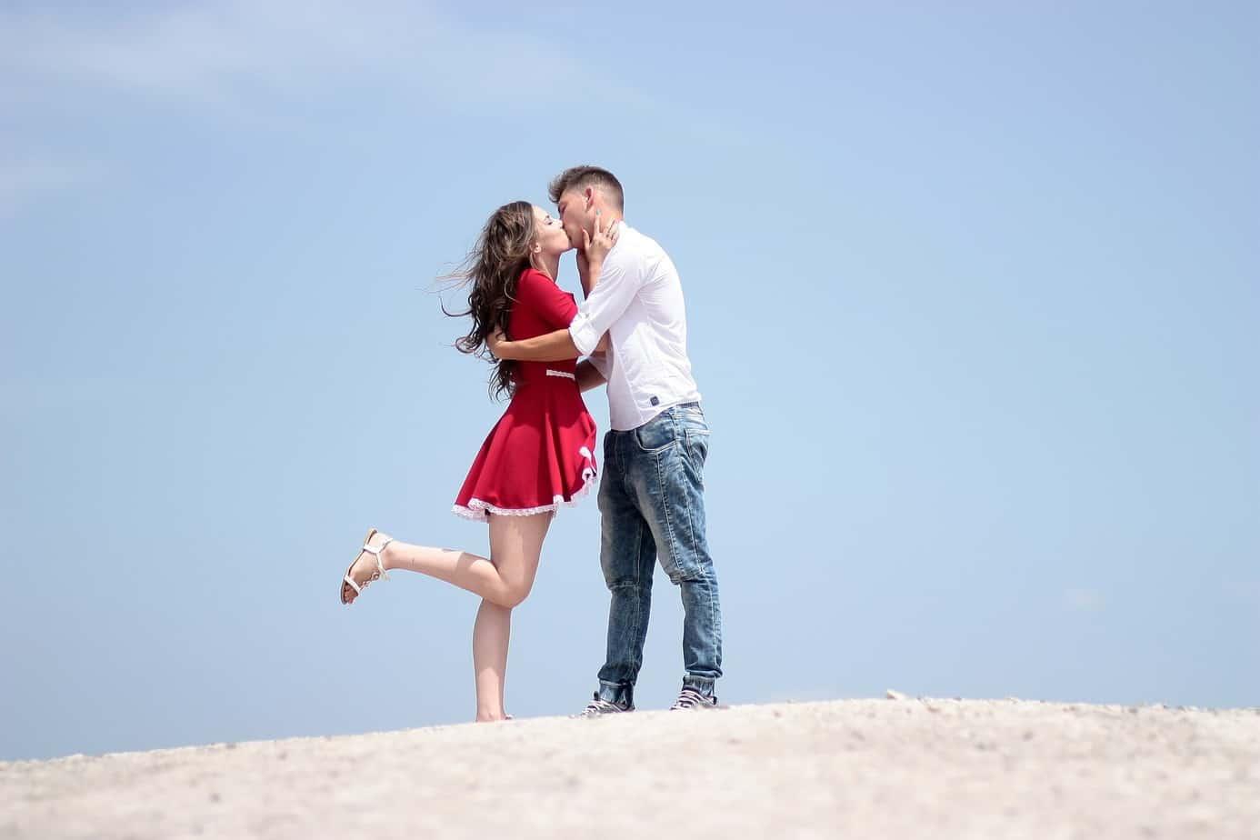 L'amour au premier regard : Voici 4 hypothèses pour vous aider à comprendre